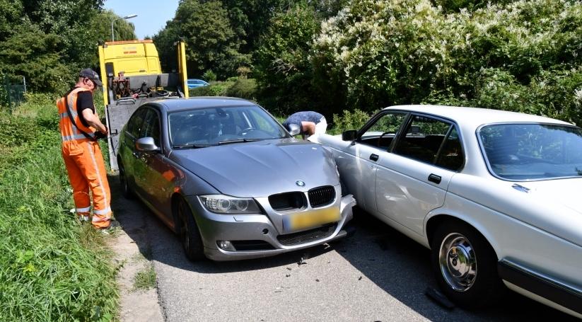 Twee auto's getakeld na ongeluk Kruiningen, één gewonde.