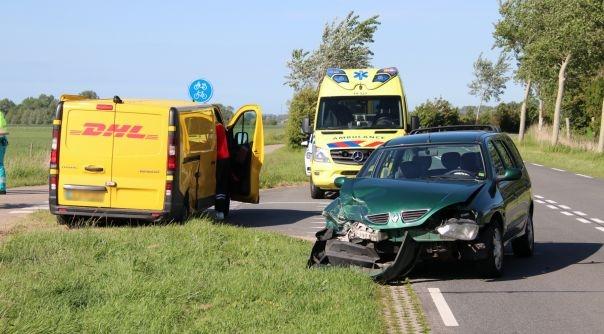 Flinke schade bij botsing Mariekerkseweg.