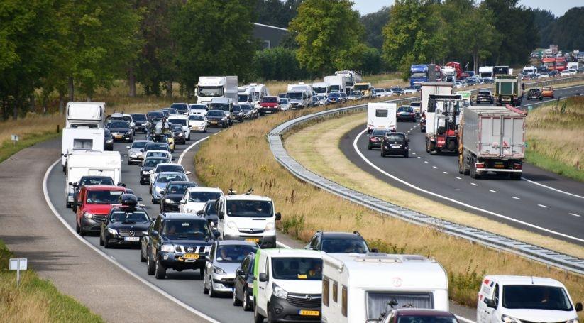 7 Kilometer file vanwege ongeluk Vlaketunnel.