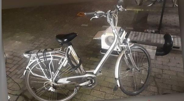 Politie zoekt eigenaar damesfiets #Middelburg:.