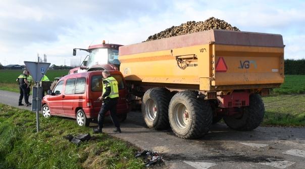 Gewonde bij ongeluk met trekker Lewedorp.