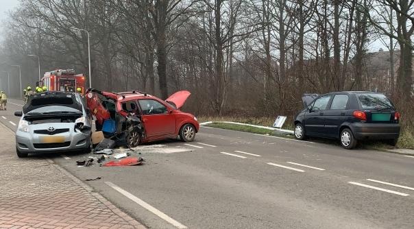 Veel schade bij ongeluk Haarmanweg Terneuzen.