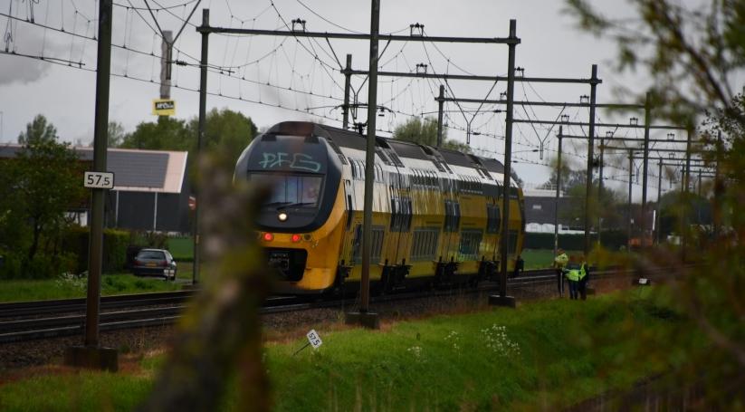 Treinverkeer stil vanwege aanrijding op spoor.