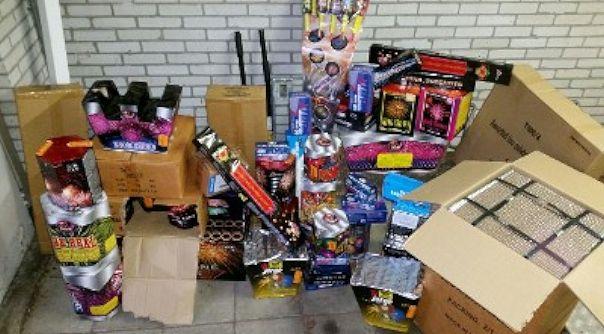 170 Kilo Illegaal Vuurwerk In Woning Bruinisse Hvzeeland