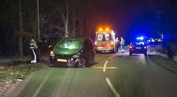 Motorrijder uit Rilland ernstig gewond bij botsing.