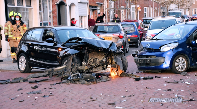 Ravage na ongeluk in woonwijk Vlissingen.