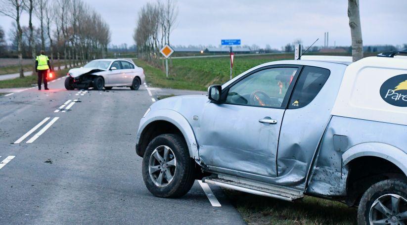 Letsel bij botsing autos Colijnsplaat.