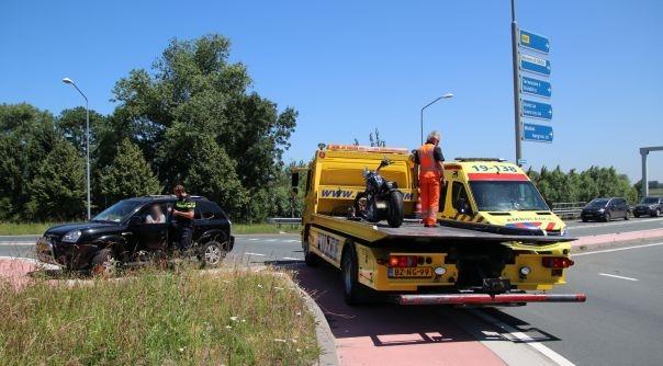 Motorrijder gewond bij botsing N61 Hoek.