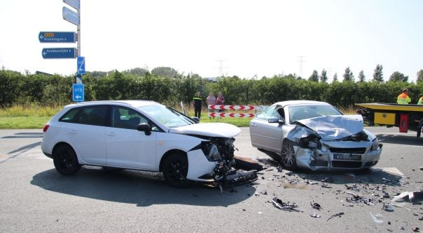 Veel oponthoud door ongeluk N289 Kruiningen.