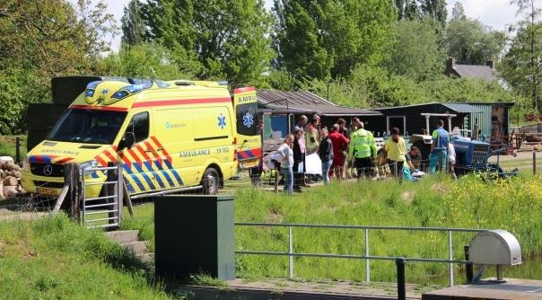 Gewonde bij ongeluk met tractor Oudelande.
