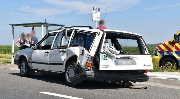 Forse schade en gewonde bij ongeluk Deltaweg.