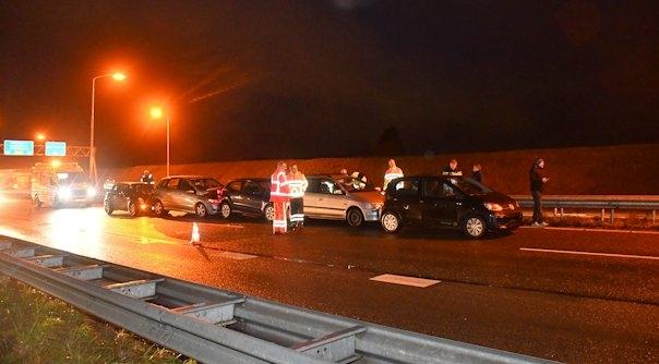 Gewonden bij botsing 5 autos A58 Oost-Souburg.