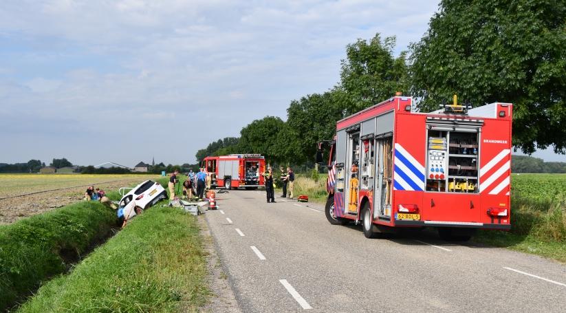 Brandweer ingezet voor ongeluk bij Vogelwaarde.