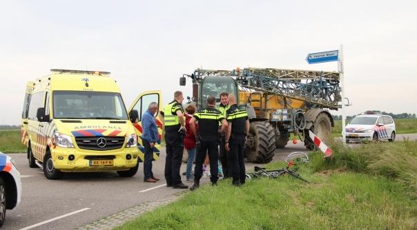 Wielrenster gewond na botsing met tractor.