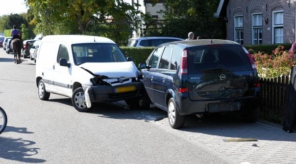 Flinke schade bij ongeluk Arnemuiden.