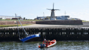 Zeilboot belandt op keien in Vlissingen