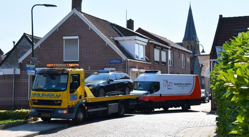 Gewonde bij aanrijding Oud-Vossemeer.