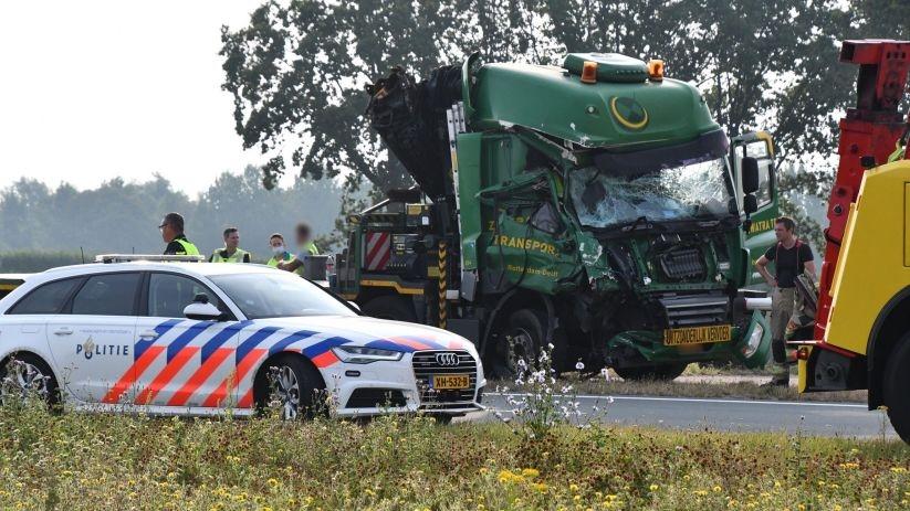Ongeval vrachtwagens N62 Heinkenszand.