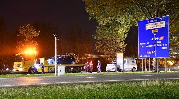 Autos getakeld na botsing in Middelburg.