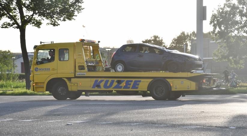 Drie auto's betrokken bij ongeluk in Terneuzen.