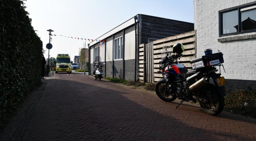 Fietser gewond naar het ziekenhuis na aanrijding met vrachtwagen in Hengelo.
