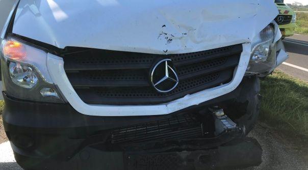 Schade bij botsing op N59 Kerkwerve.
