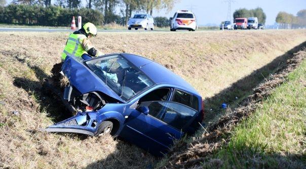 Vrouw gewond bij ongeluk Langeweg Axel.