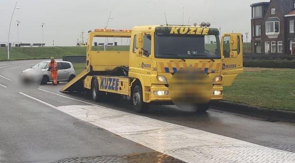 Ongeluk op gladde Scheldeboulevard Terneuzen.