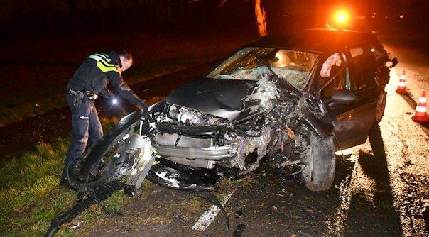 Zware schade en gewonde bij ongeluk Overslag.