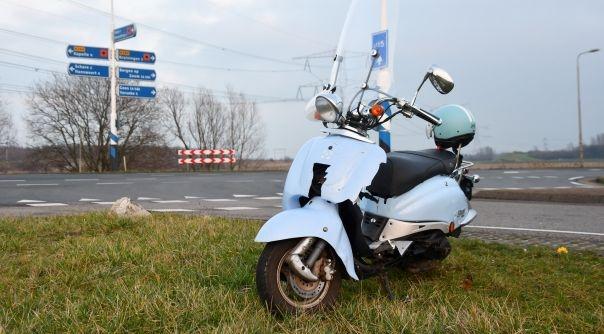 Ongeval met scooter bij Kruiningen.