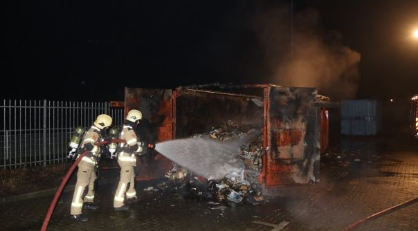 Brand in grote papiercontainer Oost-Souburg