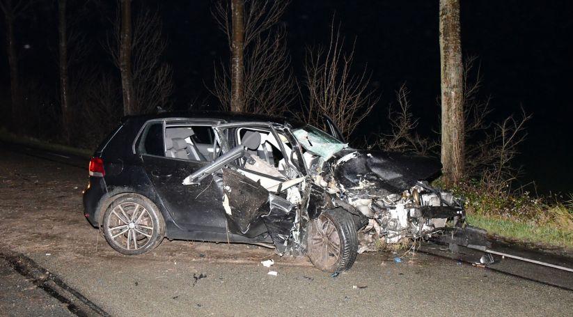 Auto total loss na ongeluk onder invloed Ovezande.