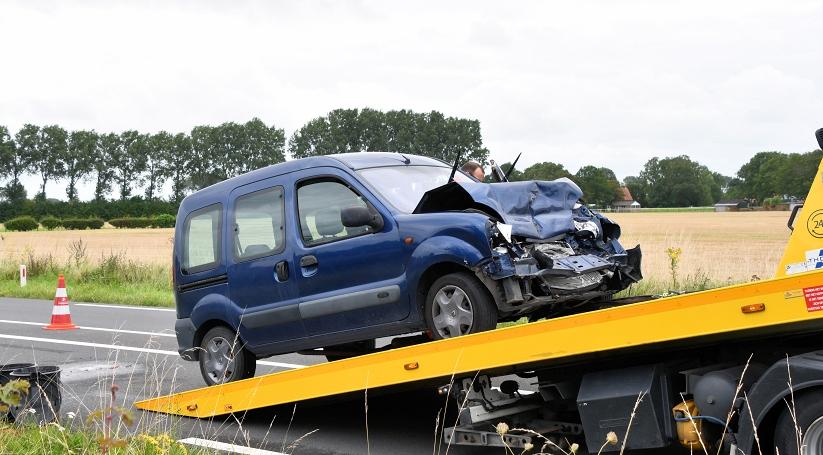 Automobilist gewond bij botsing in Nieuwvliet.