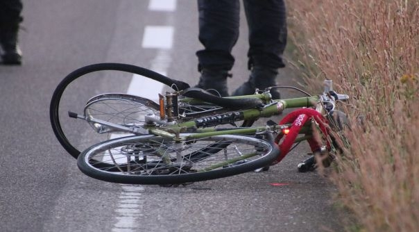 12ebd8ffbd591b Zwaargewonde fietser 30-jarige Brabander - HVZeeland - Nieuws en ...