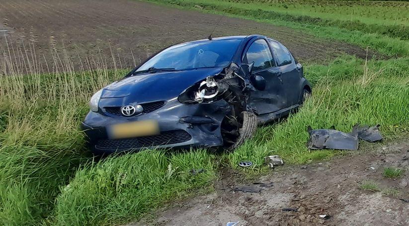 Autos beschadigd bij ongeval in Kuitaart.