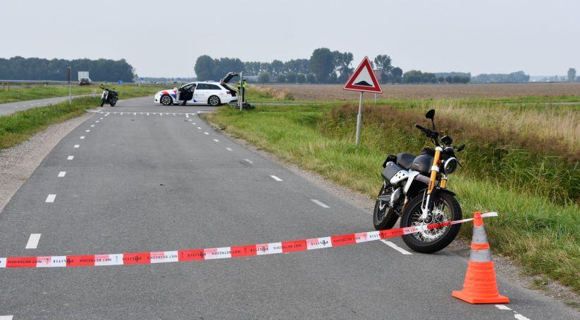 Fietser ernstig gewond bij botsing met motorrijder.