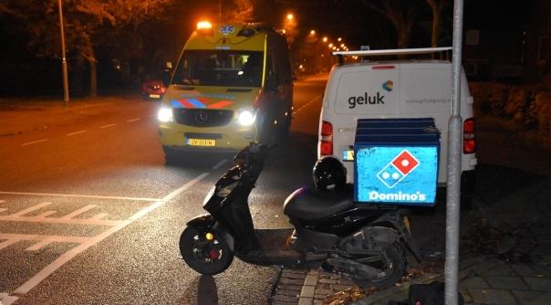 Maaltijdbezorger gewond bij aanrijding in Goes.
