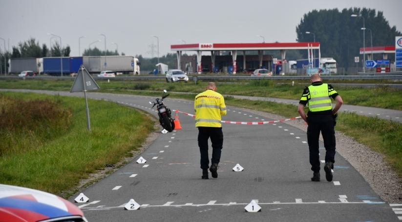 Fietser overleden na aanrijding motor IJzendijke.