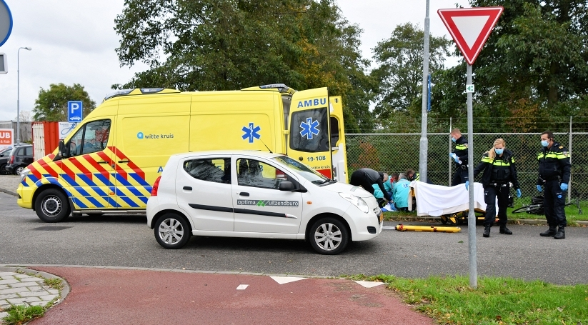 Fietser gewond na botsing met auto in Middelburg.