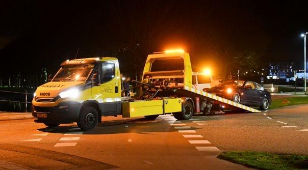 Auto getakeld na ongeval Zierikzee.