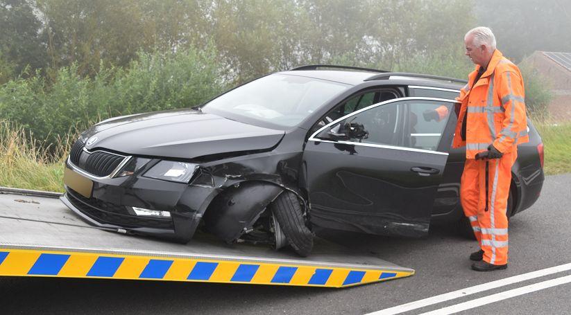 Autos getakeld na botsing Wolphaartsdijk.