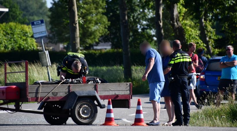Bestuurder naar het ziekenhuis na botsing Oosterland.