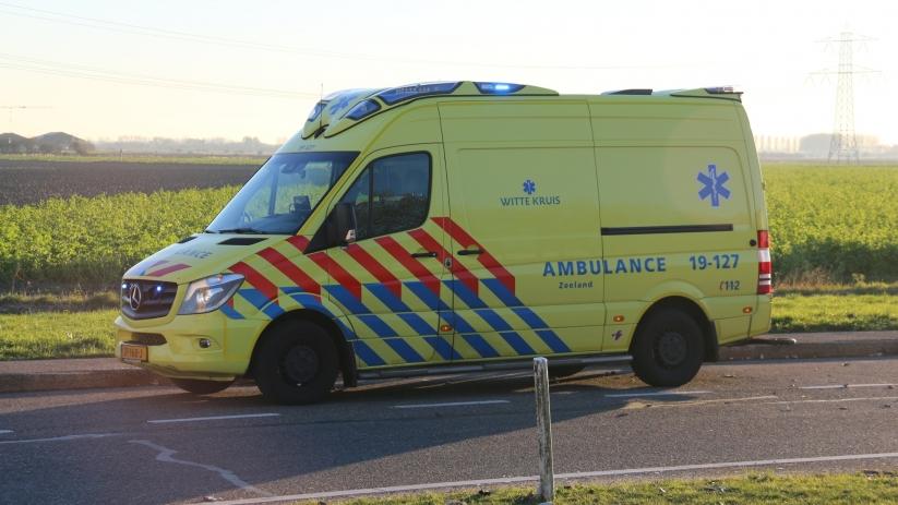 Fietser gewond bij botsing met auto Noordwelle.