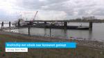 Vrachtschip met schade naar Hansweert gesleept