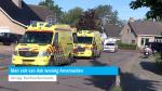 Man valt van dak woning Arnemuiden